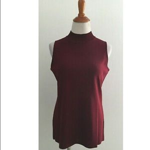 Exclusively Misook Red Sleeveless Top M